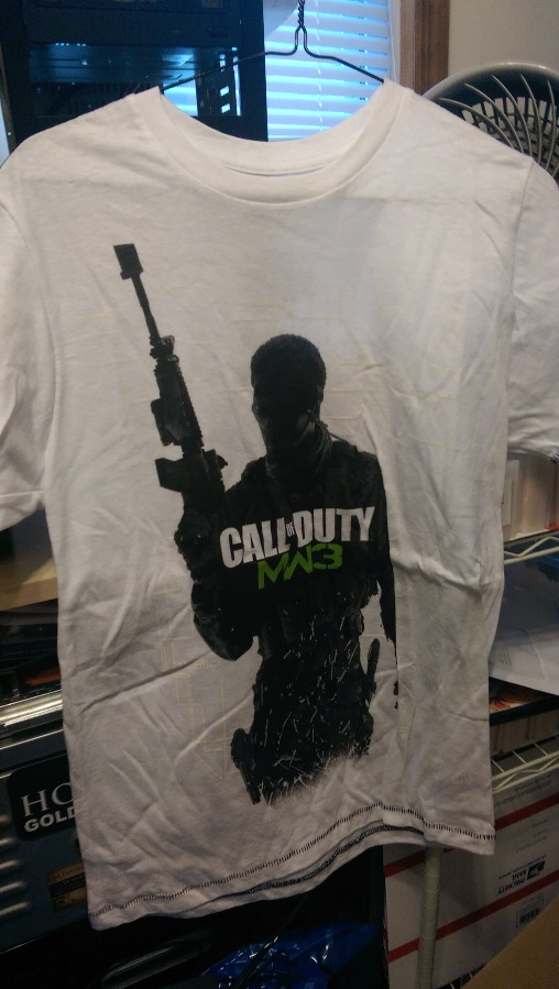 Call Of Duty MW3 T Shirt Size Small