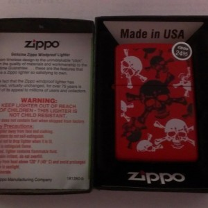 Zippo Red Skull&Bones Lighter