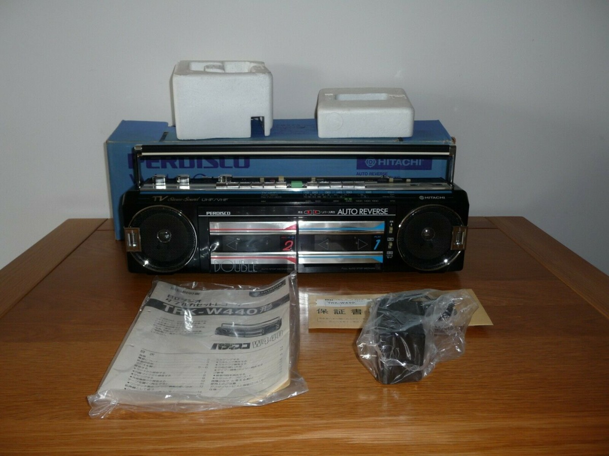 Brand New HITACHI TRK-440 4Band Stereo Radio Cassette