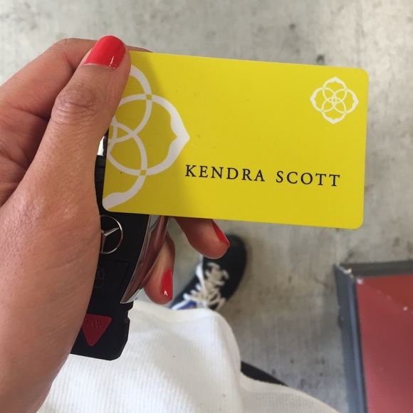 $150 Kendra Scott Gift Card (Code + Pin)