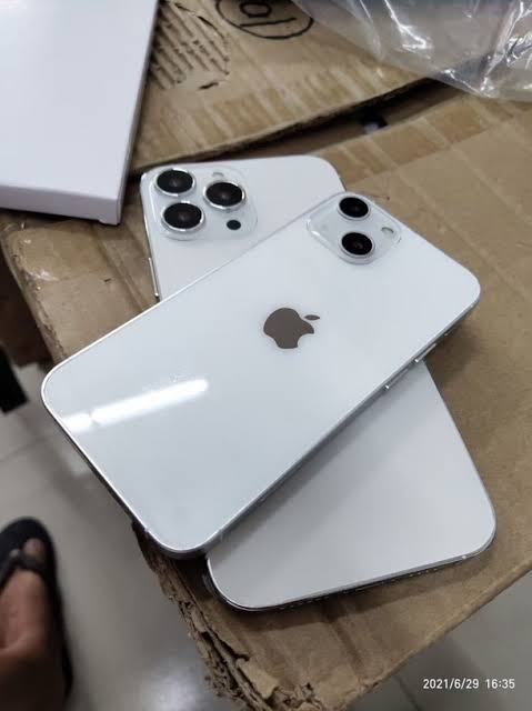 iPhone 13 Pro 256gb available in good working condition
